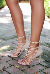 nude_sandals